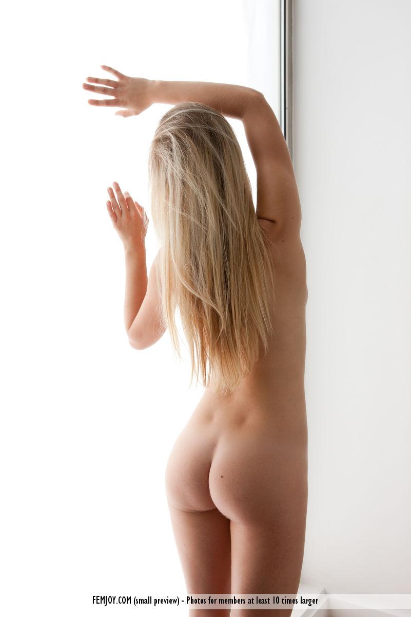 Girl on girl naked porn