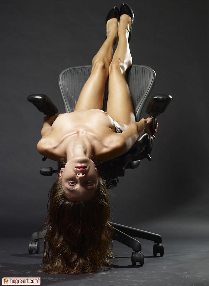 Nude emilia clarke naked