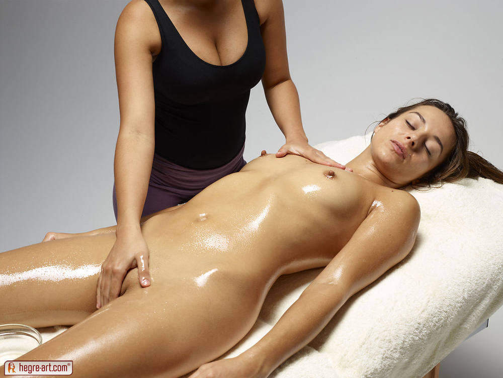 girls Erotic nude massage