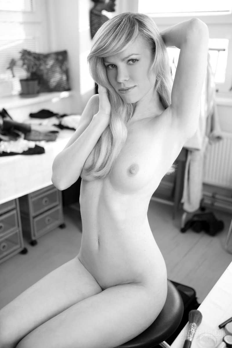 erotic black and white nudes