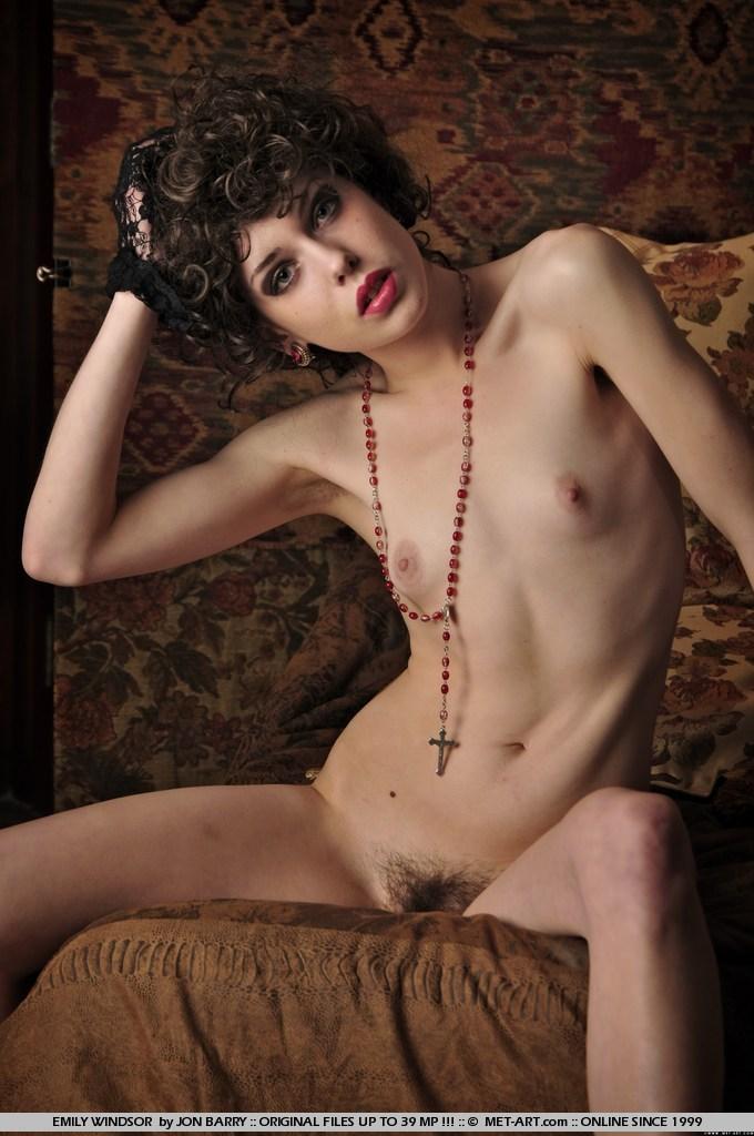 Skinny Met Art Model Emily Windsor Nude With Natural Bush In