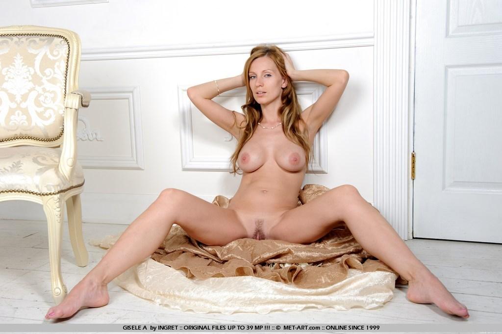 nude Met a art gisele
