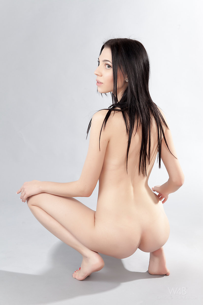 Free nude erotic art picture gallery by © 2008-2014 Erotic Art Fan: www.eroticartfan.com/galleries/watch4beauty-amy-light/watch4beauty...