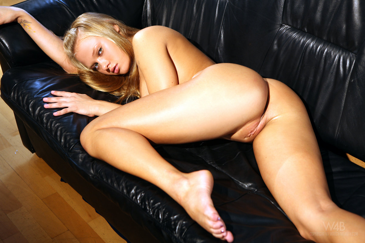 chubby blonde pretty girl throat fucked