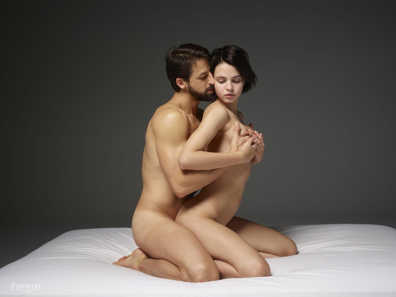 Full Figure Women Having Wild Sex Couple